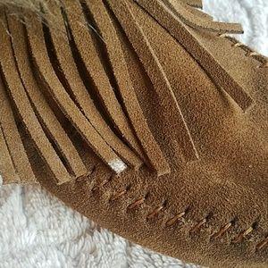 Minnetonka Shoes - Minnetonka Fringe and Fur Ankle Boots Size 9.5